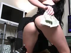Hot money bitch spanks herself with her cash