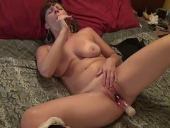 Insatiable married cunt fucks her dildos