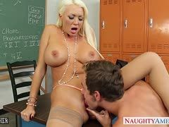 Horny teacher Summer Brielle breaks a taboo