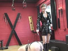 Annika Bond punishs German male slaves