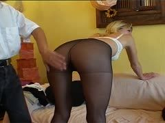 Pantyhose babe gives the best blowjob