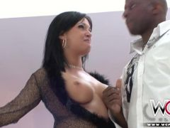 Pornostar Tory Lane beim Interracial Sex