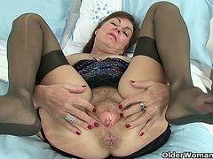 Are oma spreizt die beine und sammelt sperma interesting. Tell